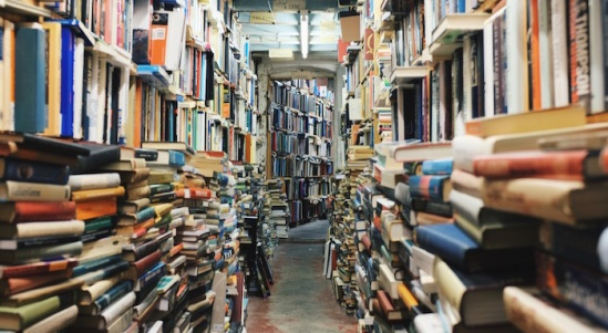 crowded-library-stacks